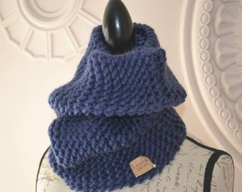 Navy hand-knitted cowl