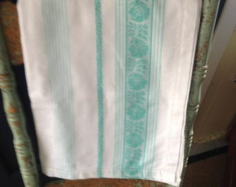 VINTAGE GREEN & WHITE Tablecloth