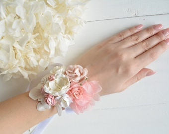 Blush white Flower wrist corsage,blush bridesmaid corsage,bride bracelet,Wedding corsage,pale pink corsage,flower wedding,blush wrist corsag