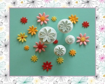 """Ejector cutter: """"Fleur - Margarita"""" - set of 4 different sizes."""