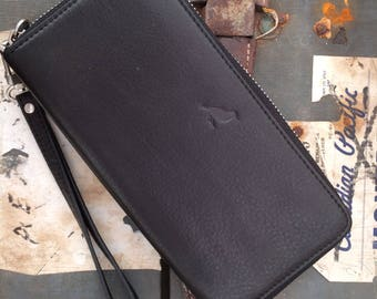 Larch mk2 zip around matinee purse/clutch available in black or brown with removable wrist strap smart phone compatible