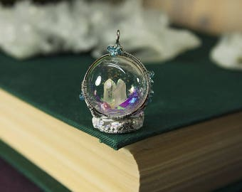 Ice crystal snowsphere pendant
