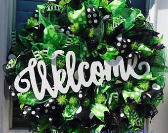 Black and green everyday welcome wreath