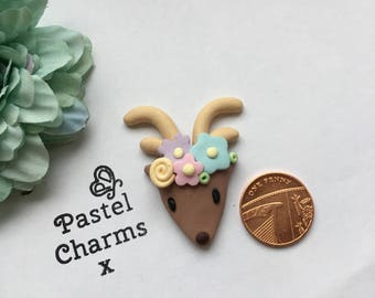 Deer head x handmade clay charm x deco decoden embellishment