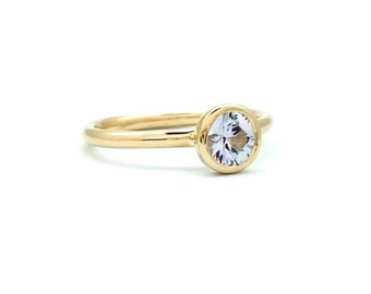 4mm Round Diamond-Cut Sapphire Bezel Set Ring - 14K YELLOW GOLD