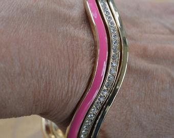 Pretty Vintage Hot Pink, Rhinestone, Gold tone Bangle Set (3) (N14)