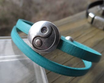 Double Wrap Teal Leather Bracelet with Silver Plated Ying Yang Magnetic Clasp and Small Ying Yang Slide