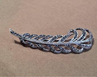800 Silver Ostrich Plume Pin