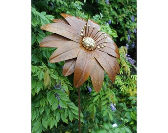 Deluxe Gerbera Finished with lovely brass stamens