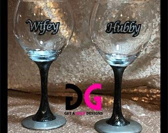 Wifey / Hubby Glitter Wine Glasses