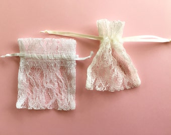 Wedding Favor Bags, Lace Fabric Bags, Lace Drawstring Ivory Favor Bags, White Lace Wedding Favor Bags, Lace Favor Bags, white Lace Bag
