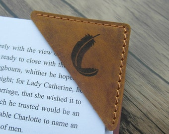 Leather Bookmark, Custom Leather Book corner, Rustic Bookmark, Personalized Booklover Gift