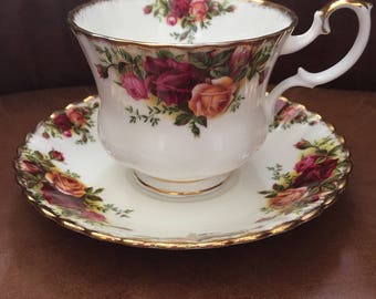 Royal Albert Old Country Roses 1st Quality LARGE Breakfast Cup & Saucer