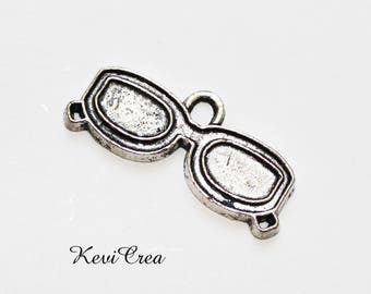 12 x silver sunglasses charms
