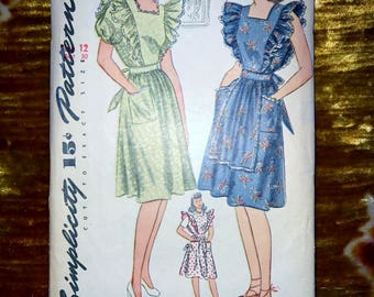 "1940s Vintage Simplicity Pattern 4632 for Misses Dress or Pinafore Size 12, Bust 30"", Waist 25"", Hip 33"""