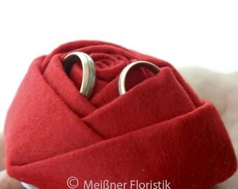 Felt rose ring pillow
