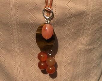 YNecklace de cornaline, Tiger Eye ovale perlé YNecklace, collier de cornaline fait à la main, Edinburgh bijoux créateur, Ecosse, Royaume-Uni