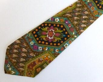 """Vintage 60s Boho Hippie Necktie  4"""" Wide"""