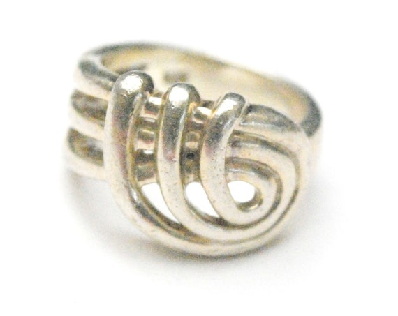 Sterling ring - Twisted  Swirl Silver - Modern - size 6 1/2 - Modernistic Band ring
