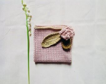 Vintage Cuddly square knitted . cotton yarns and organic yarns, small spring rose.