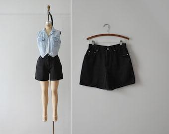 black denim shorts / vintage high waisted jean shorts / M