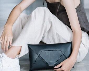 SODA - Women handmade leather clutch (Black)