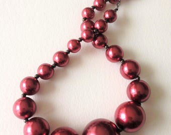 Necklace - chunky funky pearly red large pearl beads necklace
