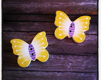 Set of 2 wooden Butterfly 25 x 20 mm buttons
