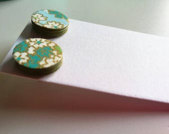 Small button Earrings in Japanese paper