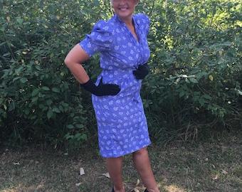 vintage plus size DRESS 1940s style 80s floral print day dress PERIWINKLE blue wartime film noir mildred pierce plus figure