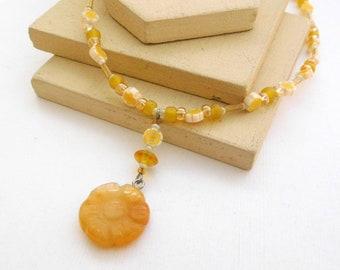 Retro 90s Lemon Butterscotch Yellow Bead Flower Pendant Y Drop Necklace B31