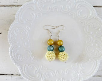 Crochet beaded earrings, yellow earrings, springtime earrings, ready to ship, handmade, wooden beads, crochet earrings, crochet jewelry