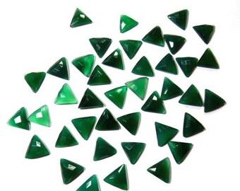40% Sale -- Green Onyx , Size 14 x 15 mm , Cut , Triangle  Shape , 5 pcs.