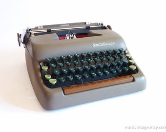 Vintage Smith-Corona Sterling Typewriter Gray Tan /MidCentury 50s 60s / Perfect Working Condition