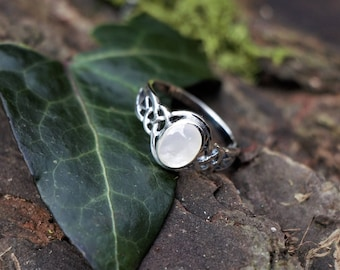 Intricate Silver Ring With Mother Of Pearl 925