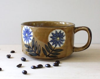 Stoneware soup mug, 1970s flower design.
