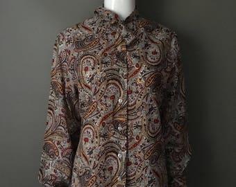 Darling Vtg 70s RRRuss Paisley Print Button Up Ascot Tie Top Blouse M L