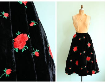 Vintage 1950s Black Velvet Rose Skirt | Size Small