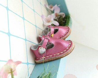 Metallic Fuchsia Deep Pink Leather Mary Jane Shoes For Jemima Doll