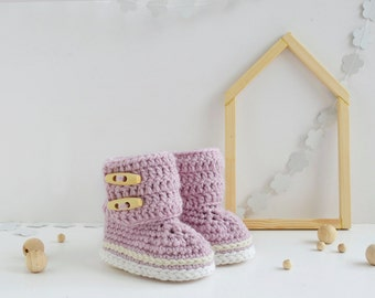 Crochet baby shoes-Crochet boots-Baby boots-Baby girl-Baby booties-Baby shoes-Baby gift-Crochet booties-Crochet baby boots-Pink booties