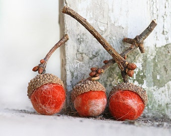 Set of 12 PUMPKIN PIE Wool Felted Acorns| boho, cottage chic, woodland, rustic