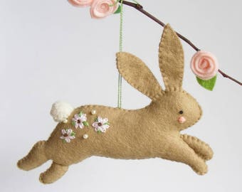 Felt PDF sewing pattern - Hopping bunny - Easter ornament, easy sewing pattern, DIY hanging decoration, spring rabbit, floral embroidery