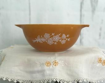 Vintage 1979 Pyrex Butterfly Gold redesign 1.5 Quart Casserole Dish
