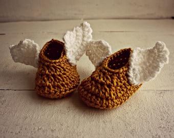 Crochet Golden Winged Baby Booties, Gold Baby Shoes, Gold Baby Booties, Baby Wizard Shoes, Baby Shower Gift, Baby Christmas Booties
