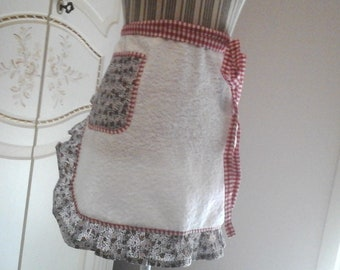 Half white Terry apron with fantasy in red