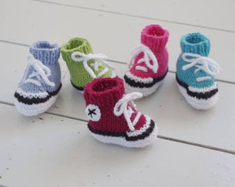 Easy Simple Baby Booties Knitting Pattern Instructions Tutorial New Babies Trainers Basketball Boots Shoes Sneakers Gift