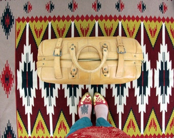 Vintage Bag // Tan Brown Leather Luggage Bag // Carry On Travel Bag // Traveler Bag // Overnight Bag