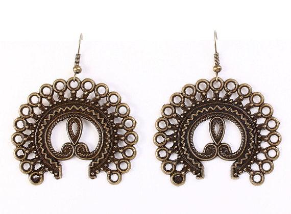 Large antique brass filigree dangle earrings (611)