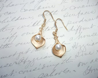 Gold calla lily earrings with pearl