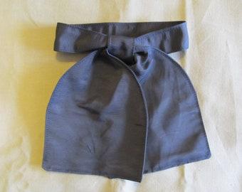 Windsor style cravat - Navy blue sile faille necktie - for Civil War era reenacting / reenacment - historic Victorian ascot tie